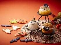 【10月限定】ハロウィンにちなんだキャラクター達が、キュートなケーキやパンに大変身!
