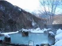 大好評露天風呂この時期ならではの雪見温泉♪