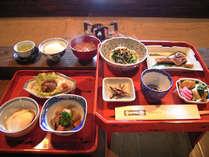 *「日本一の朝食」に選ばれた事も!囲炉裏のあるお食事処でゆっくりとお召し上がり下さい。