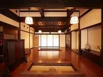 *「日本一の朝食」に選ばれた事も!御朝食は囲炉裏のあるお食事処にてゆっくりとお召し上がり下さい。