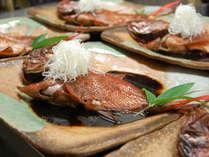 こころね名物の金目鯛の姿煮は40センチオーバーの超特大