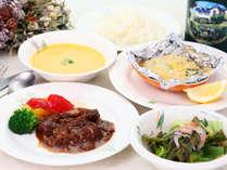 2食付◆女将手作り欧風料理! 花と緑を眺める伊豆高原のガーデニング宿♪