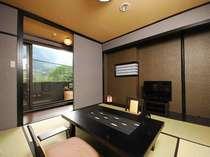 落ち着いた雰囲気の露天風呂付和室