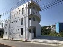 県道沿いのSENAHA HOUSE
