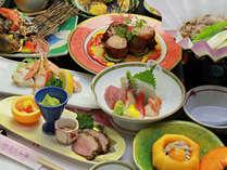 【ご夕食一例・美食会席】芋煮鍋をはじめ色鮮やかな料理をご用意。※季節によって変更になります