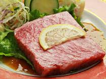 【ご夕食一例・プレミアム会席】厳選された山形牛を贅沢にステーキでご用意致します。