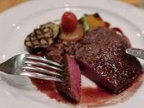 スタンダードコースのメイン和牛ヒレ肉のステーキ