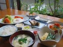 *ご朝食の一例/手作りのおかずが並び、朝からお腹いっぱい!