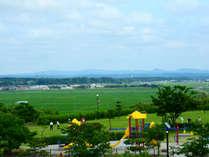 *2階からは三種町の景色を眺めることができます。