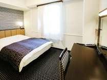 ダブルルーム【広さ14平米/ベッド幅140cm×1台】