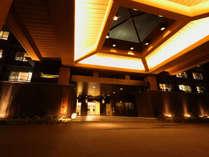 石段から少し離れた静かな場所に佇む旅館です