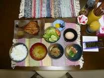 朝食は五島でとれたアジのみりん干し!(連泊の方はメニューが変わります)朝食時間6:50~9:00まで