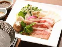 地元産ブランド豚のしゃぶしゃぶ(季節により料理は変更となります)