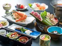 料理長おまかせの『カニ付スタンダード会席』人気の蟹に、季節のものが並びます。