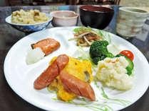 *【朝食全体例】お食事は全て丹精込めて、手作りでご提供!早朝出発の方などのご要望にもお応えします。