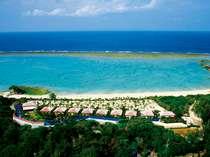 自然の長浜ビーチに面した、全8棟の隠れ家リゾートコテージ
