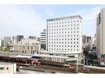 【外観】駅ビル「Wing Kitchen京急川崎」3階にフロントがございます。