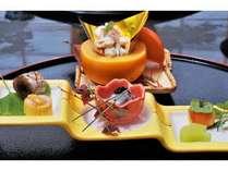 熊野牛ステーキをメインに、厳選食材魚のお造りなど、心を込めた料理を堪能いただけます。