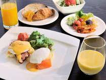 【朝食】卵プレート 大人気!エッグベネディクト♪