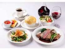 夕食一例(洋食)パイスープは自慢の一品 洋食・和食は日替わりです
