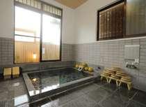 ■単純泉は貸切2室(*1回40分)館内にあります(ザボンなし)*冬季は保温カバーの使用あります