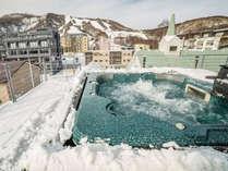 ペントハウスジャグジーの雪景色