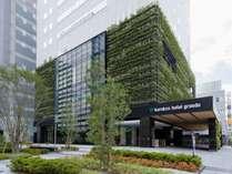 外観 新大阪周辺でも珍しい、緑溢れる外観です。