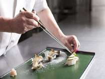 料理長の繊細な和食をご堪能ください。
