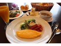 朝食「洋食セット」(一例)
