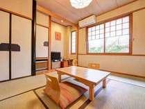 *和室(客室一例)/グループやご家族に◎畳の香りがほのかに薫るお部屋でのんびりお過ごし下さい。