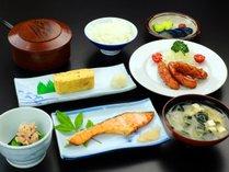 【朝食付き】ビジネス&一人旅にピッタリ!!女将の日替わり和朝食で良い一日を…