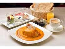 【朝食】フォアグラとかぼちゃのビッグパンケーキ   ※10月以降の新メニューです。※写真はイメージです