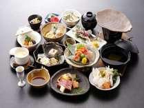 【こだわり春夏グルメプラン】~ 花会席 ~ 飛騨牛陶板焼きや真鯛と旬野菜鍋や岩魚塩焼きなど豪華13品