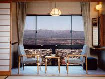 【眺望】 お部屋からは雄大な南アルプスをご覧頂けます。