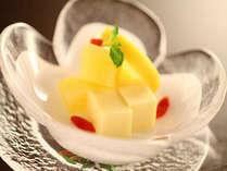 【デザート】お食事の最後は、季節のフルーツでさっぱりと。