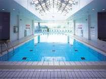 温泉水プール毎週日曜日、15:00から30分間水位が下がり、ちびっこプールに変身