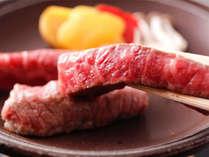 【夕・朝食付】ランクアップ御膳~鯛荒煮と牛肉陶板焼き御膳(WiFi接続無料)
