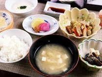 【平日限定】ふっくらごはんと手作り料理のヘルシー朝食付プラン 最終チェックイン23時OK♪5480円~