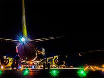 鹿児島空港・離陸を待つ飛行機が見えるお部屋もございます。