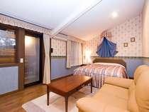 落ち着いた雰囲気の部屋露天プレミアムダブル