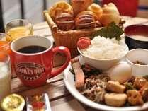 焼き立てパンが人気♪和洋朝食バイキング付■JR京都駅まで徒歩3分の好立地♪■