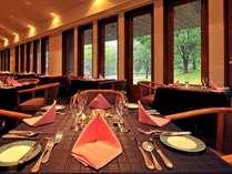 開放感溢れるレストランで美味しいお食事を♪の画像