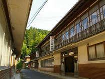 130年以上の老舗旅館です。昔ながらの木造建築でゆったりお過ごし下さい。