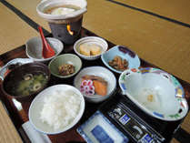 *【ご朝食】旅館定番の和定食をご用意いたします