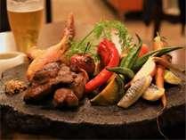 夕食の一例です。 季節によってメニューや食材が変わります。 信州産の食材をご提供します。