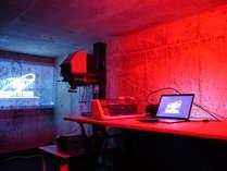 カメラ好きのための暗室です。アナログカメラの貸し出しもしています。