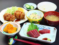 食事は美味しく楽しみながら、そして安全なものをお出しするように努めております。