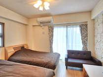 スタンダードツイン【1K】シングルベッドの他にゆったりできるソファもご用意!