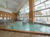 大浴場。日本の名湯気草津温泉を掛け流し。