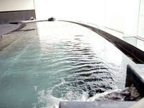 本館地下1階の大浴場。温泉でゆったりゆっくり疲れを癒してください。(宿泊者は無料でご利用可)